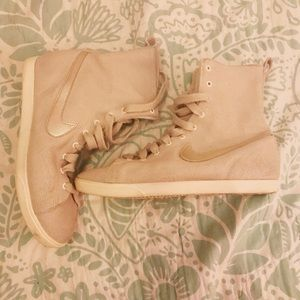Nike Shoes - Nike racquette mid in birch